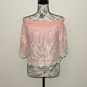 Adorable Off The shoulder Top Pink Size M